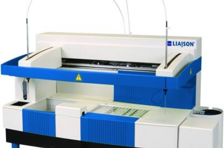 Analyzer for immunoassay testing / DIASORIN LIAISON